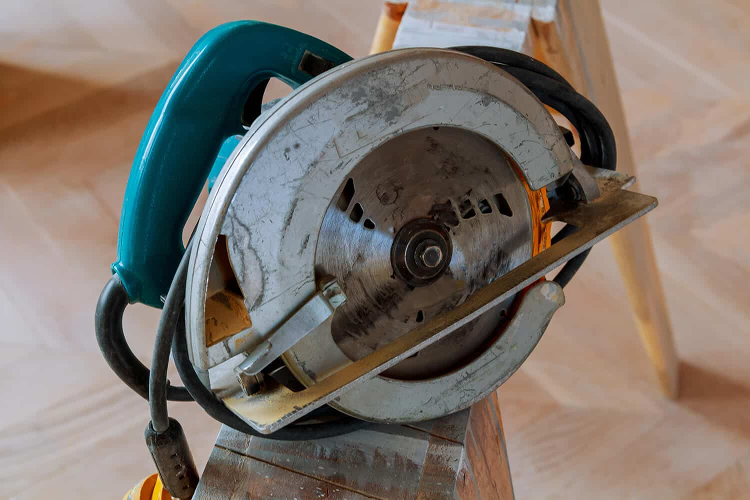 Can a Circular Saw Cut Metal