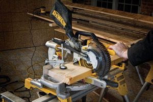 Dewalt DCS361B 20V Max Cordless Miter Saw Review