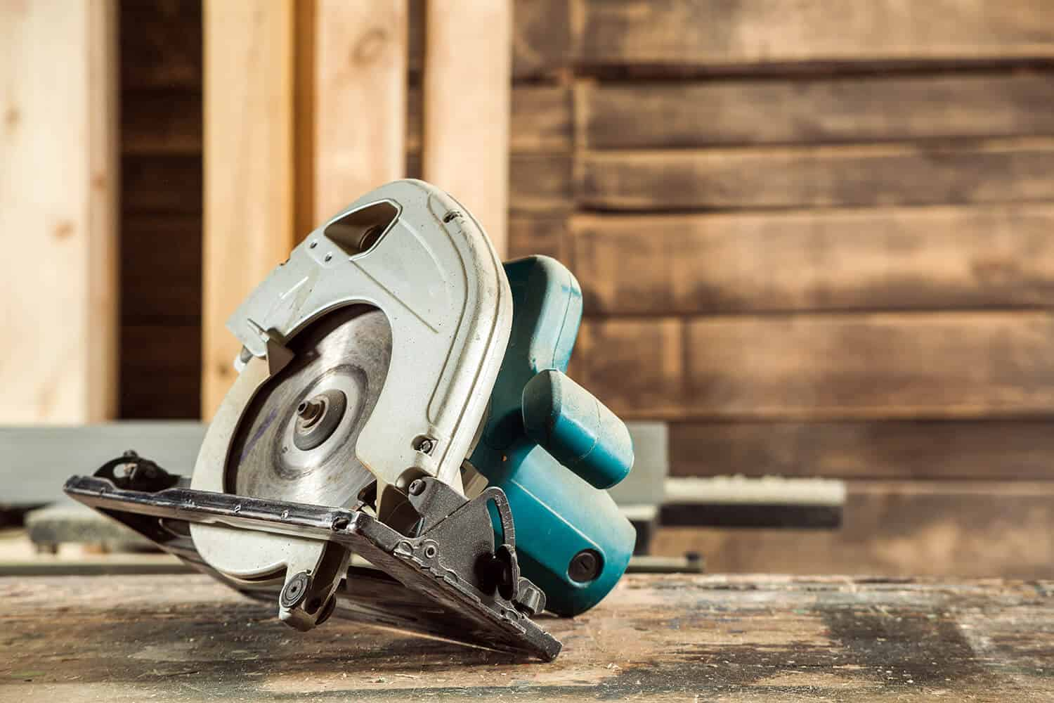 How to Cut Baseboard Corners with a Circular Saw