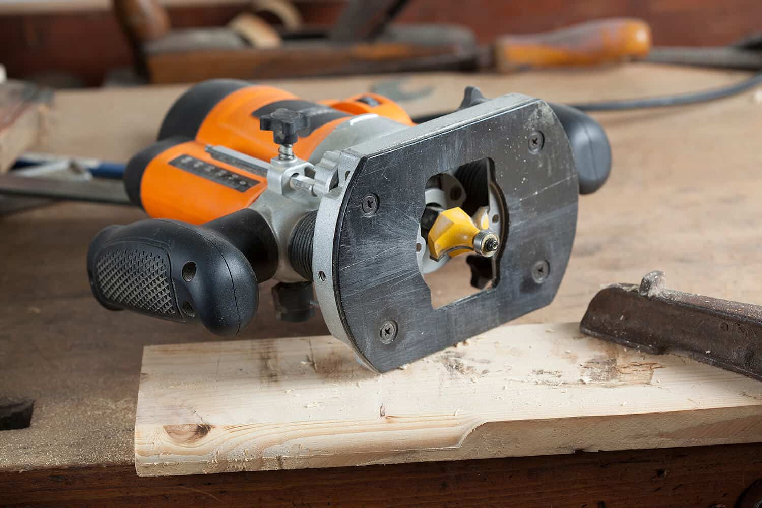 How to Use a Router for Woodworking - Check Everything