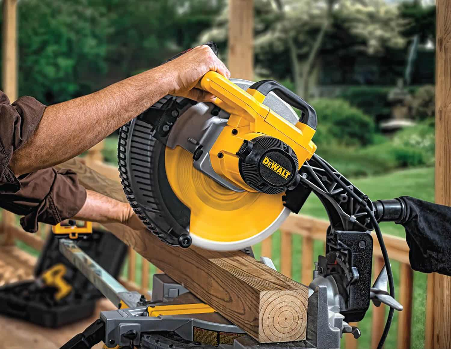 What Is The Difference Between A Compound And Sliding Miter Saw - The Compound Miter Saw