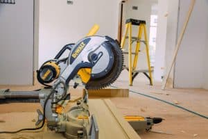 Best Sliding Compound Miter Saws of 2020: Complete Reviews With Comparisons