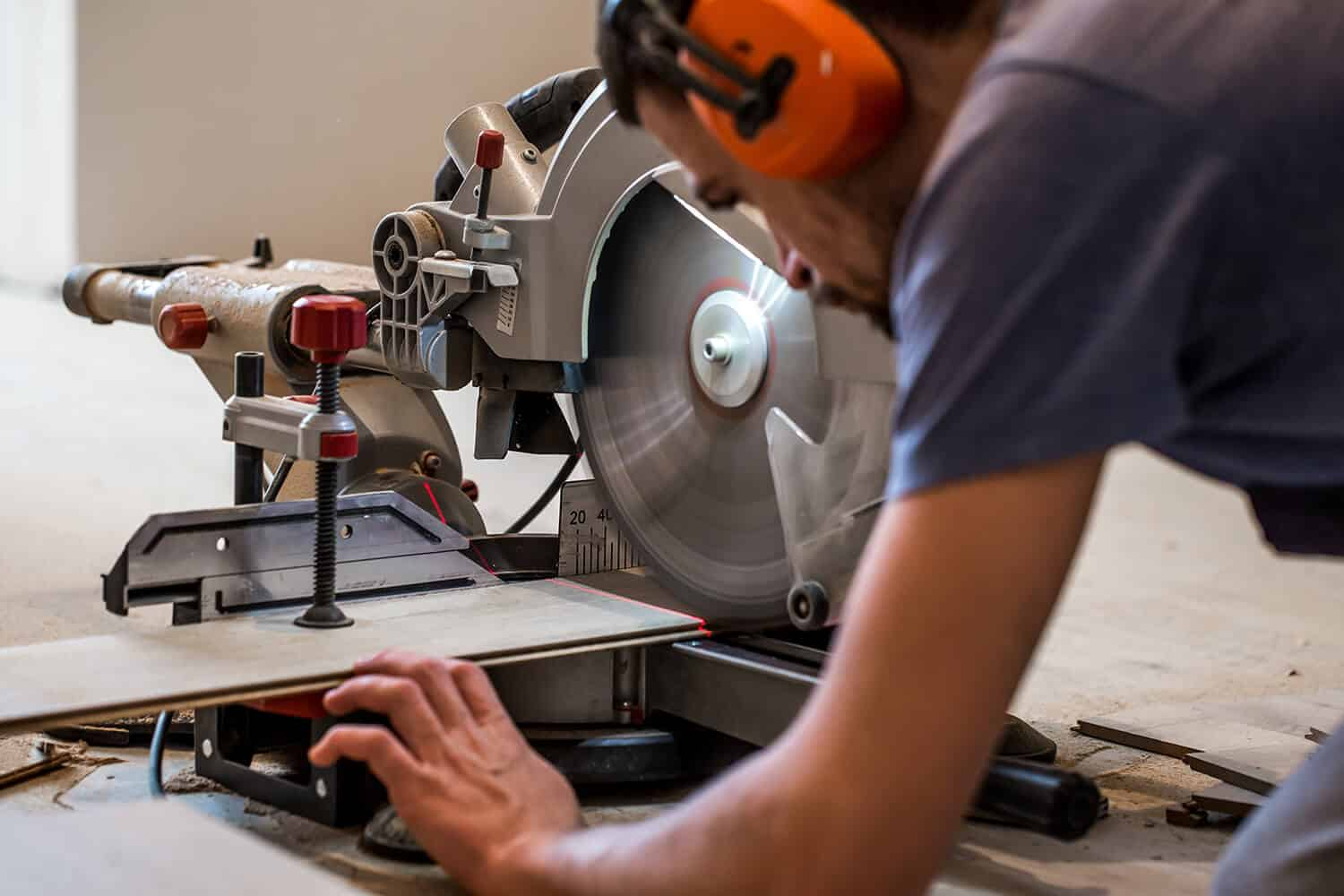 What is The Use of a Miter Saw, and What Can it Cut