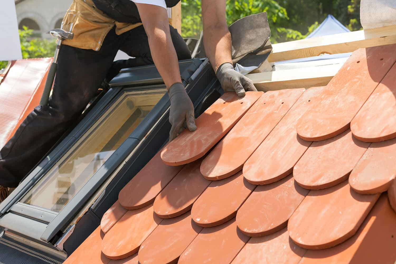 Can You Cut Roof Tiles With an Angle Grinder