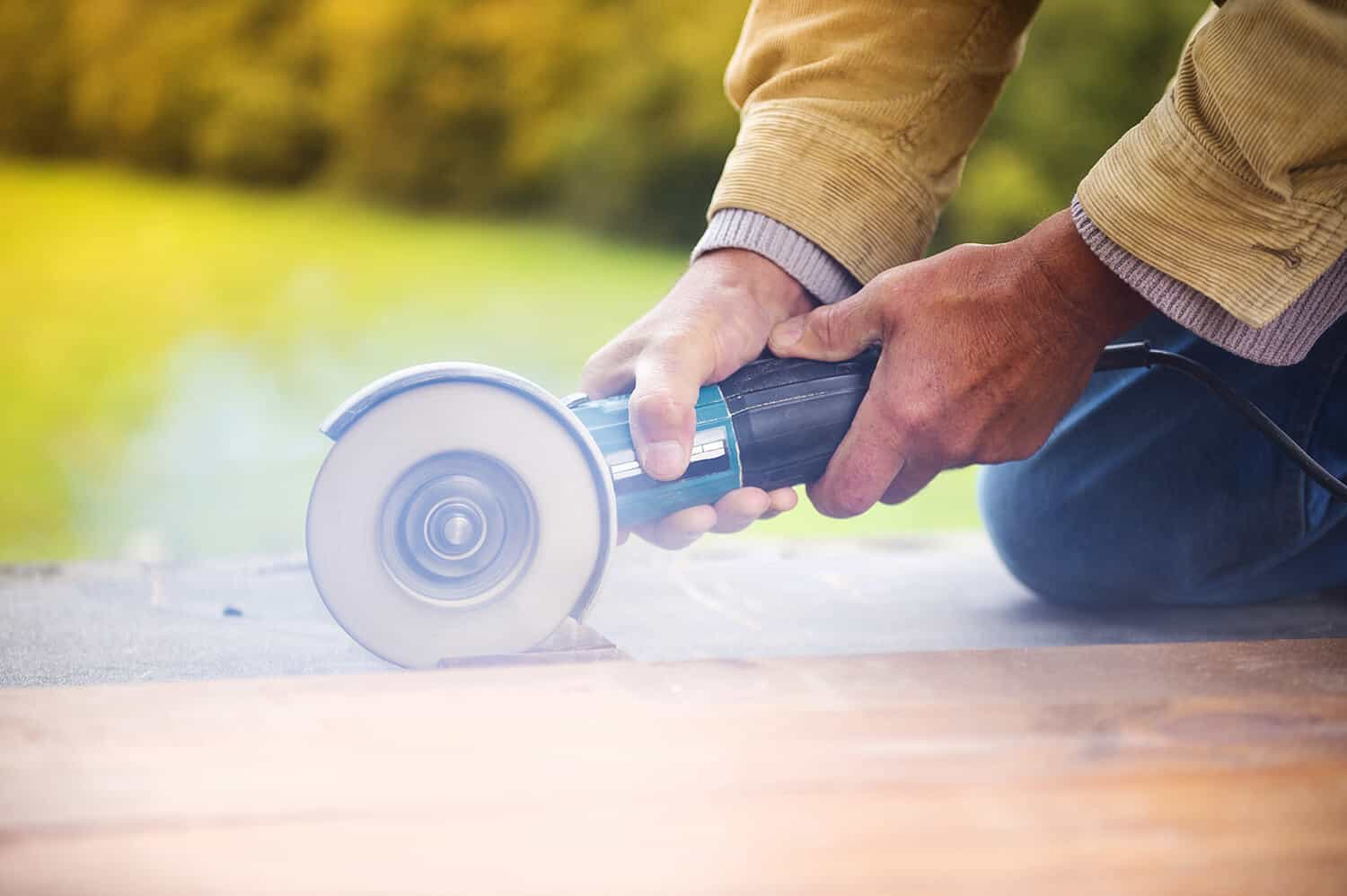 Is Cutting Wood With an Angle Grinder Effective