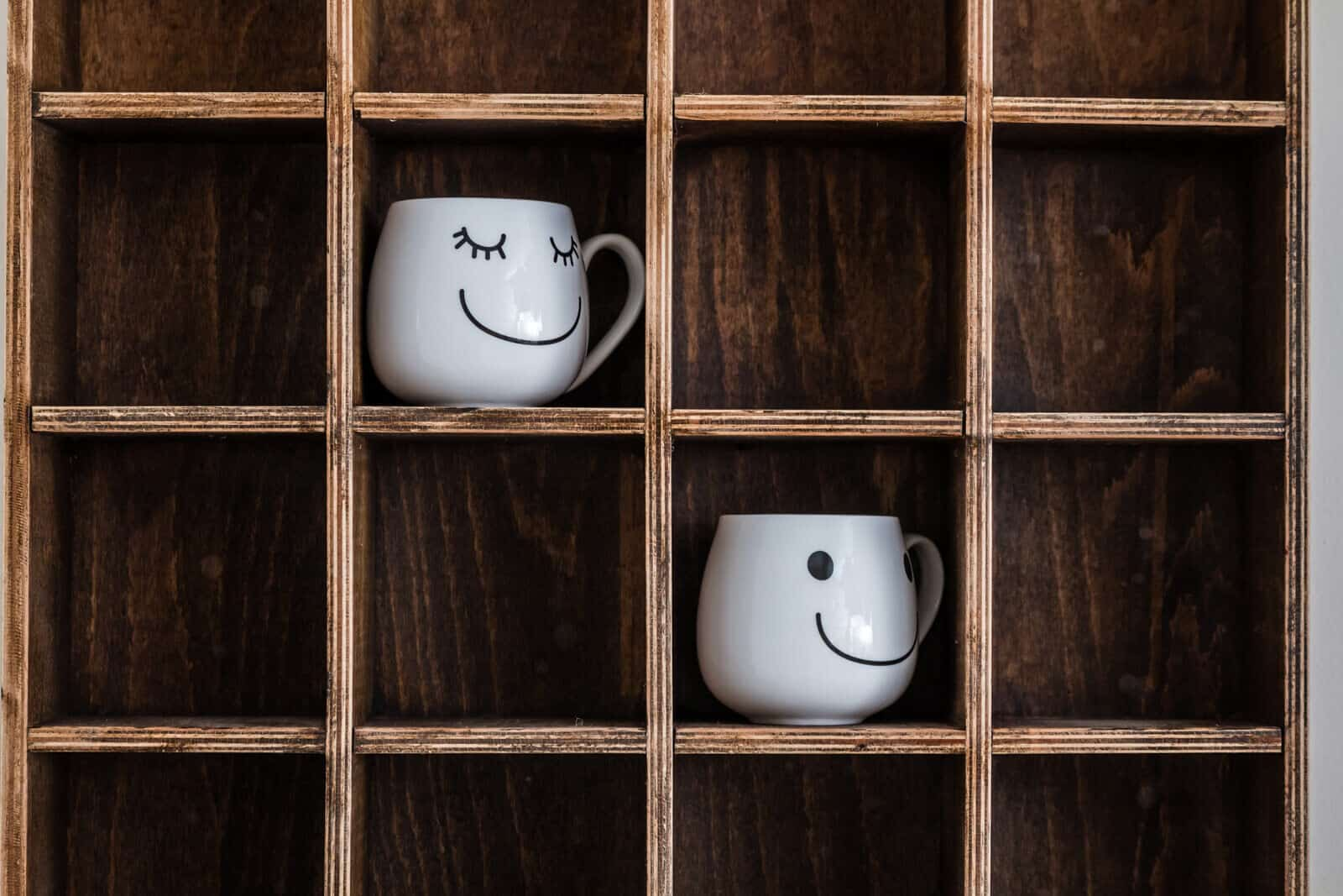 Build a wooden coffee cup rack