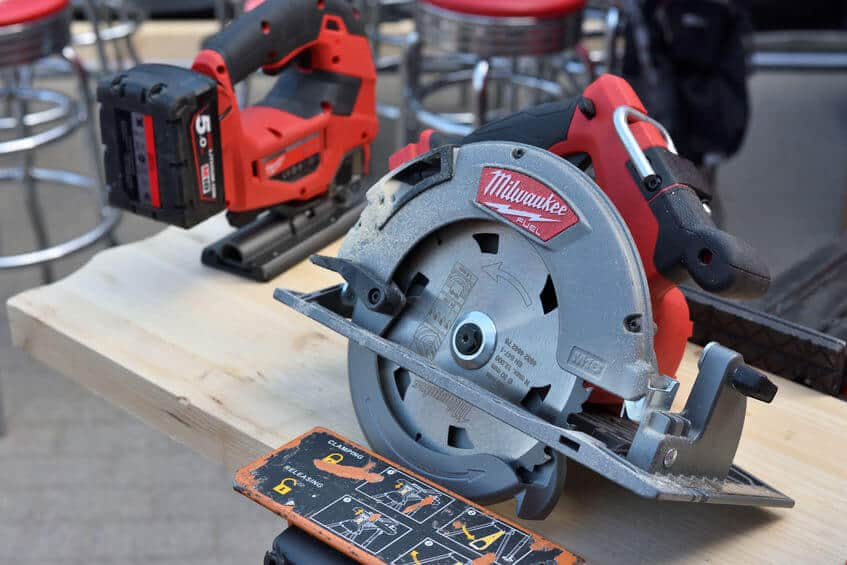 What Is a Rafter Hook on a Circular Saw
