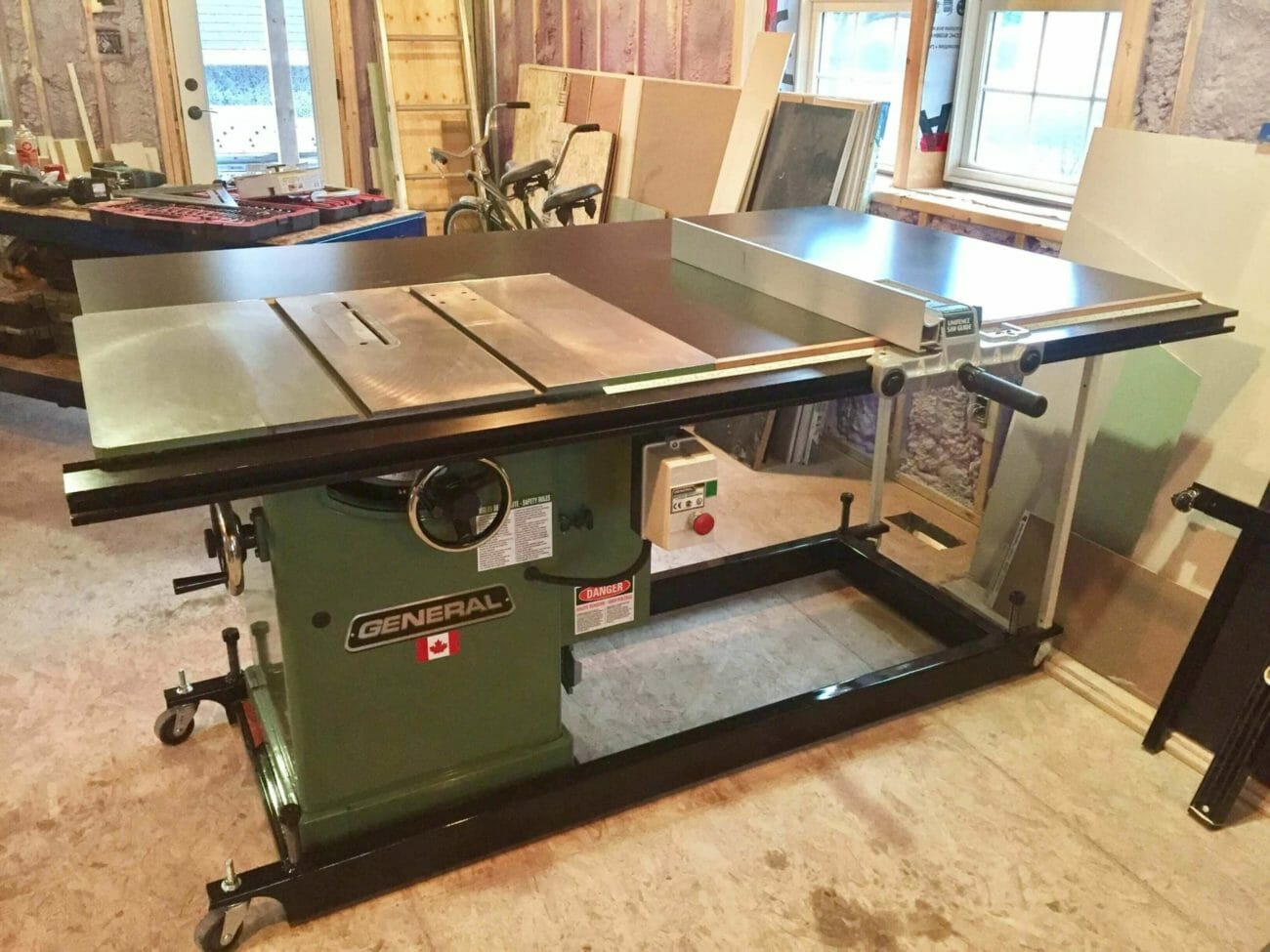 cabinet saw vs hybrid saw