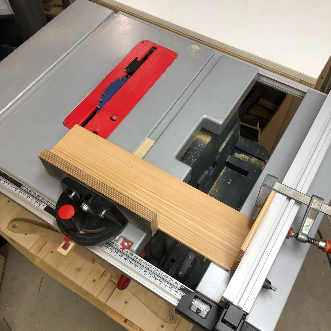 How to Cut Angles With A Table Saw