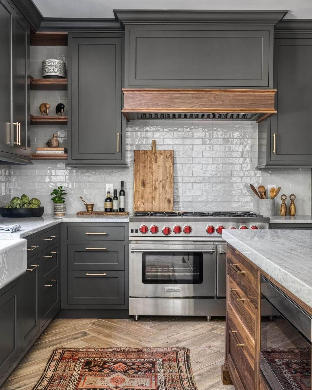 Is Quartz or Granite Better for Kitchen Countertops